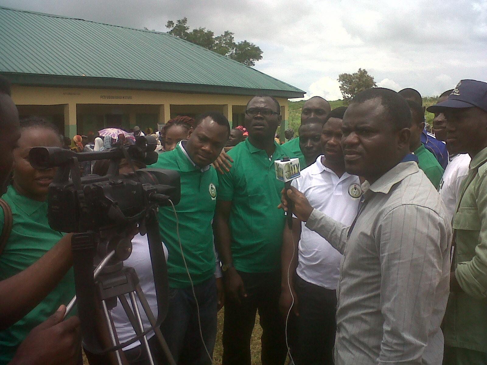 UK-bound NYSC awardees uplifts IDPs in Abuja